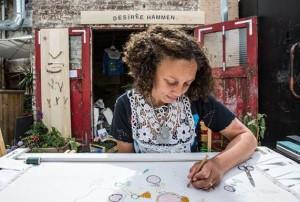 Desiree Hammen aan het werk in Parijs.