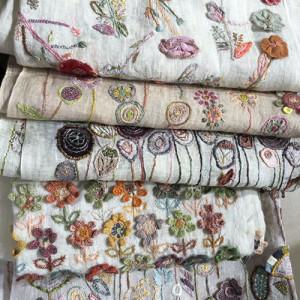 Geborduurde sjaals van Sophie Digard
