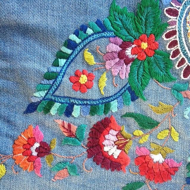 Bedwelming Borduren op denim/kleding - Tree of Needlework &OT91